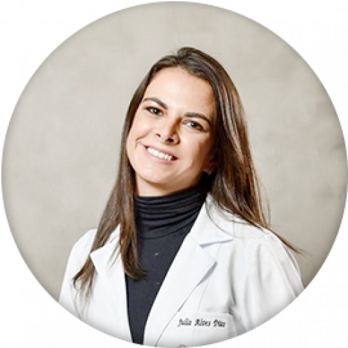 Dra. Júlia Dias